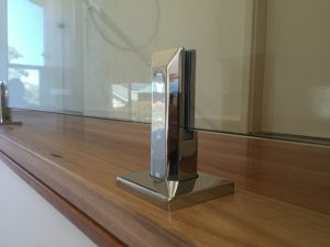 polished-stainless-steel-spigots-300x225