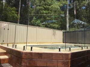 Pro-fit-Glass-pool-fence-Kincumber-300x225