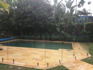Pro-fit-glass-Wahroongah-pool-fence-300x225